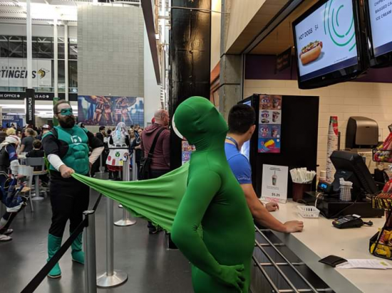 The most creative creative Green Lantern cosplay ever